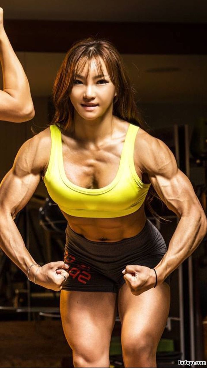 awesome female bodybuilder with muscular body and muscle bottom photo from instagram