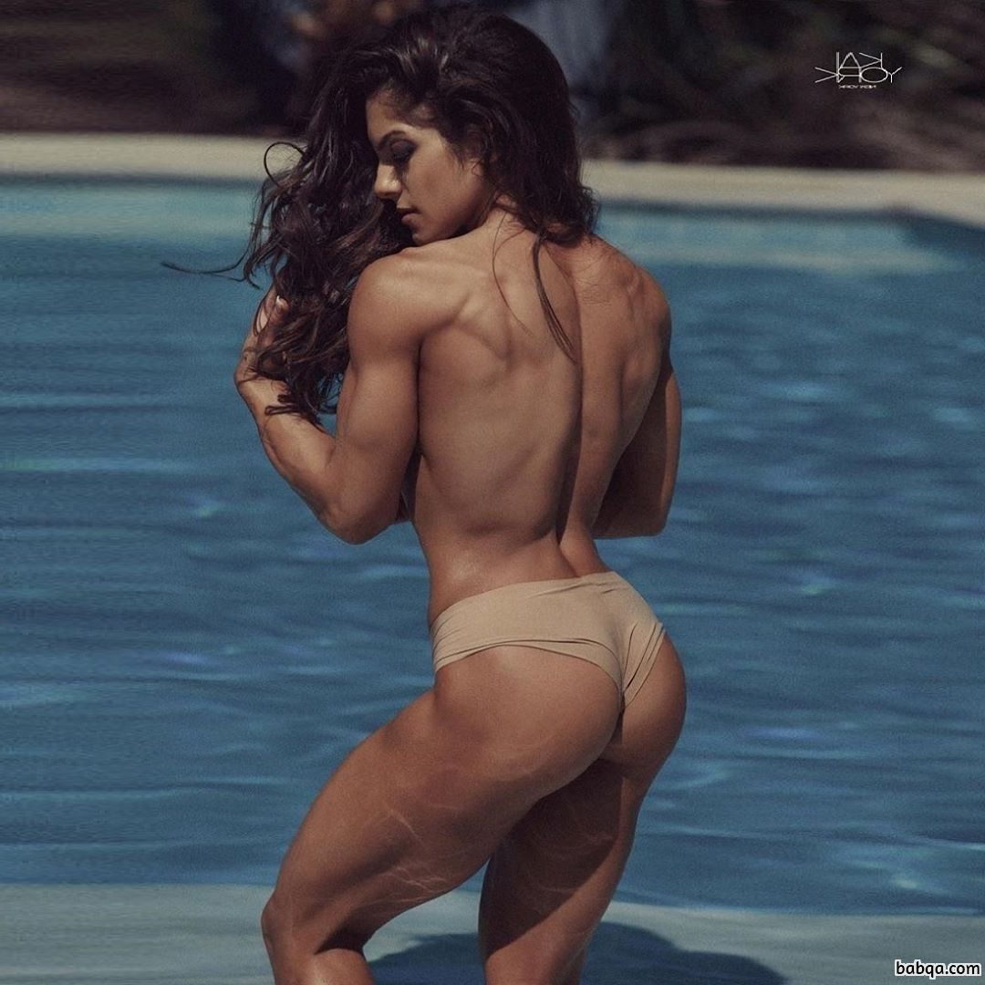 beautiful babe with muscle body and toned legs post from reddit
