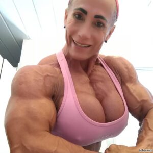hot female bodybuilder with muscle body and toned bottom picture from flickr