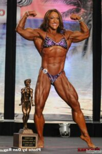 hottest chick with muscle body and toned legs post from g+