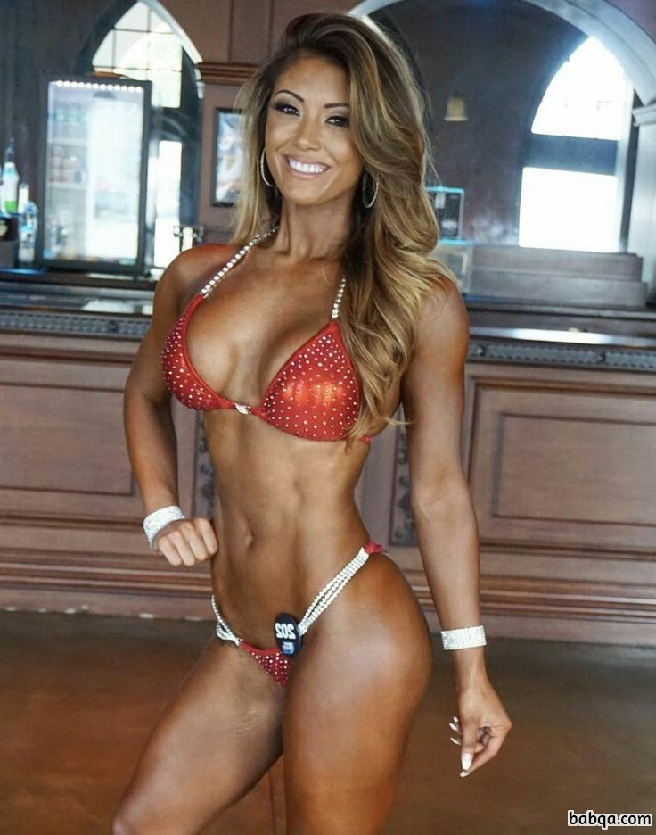 beautiful babe with muscle body and muscle bottom image from linkedin