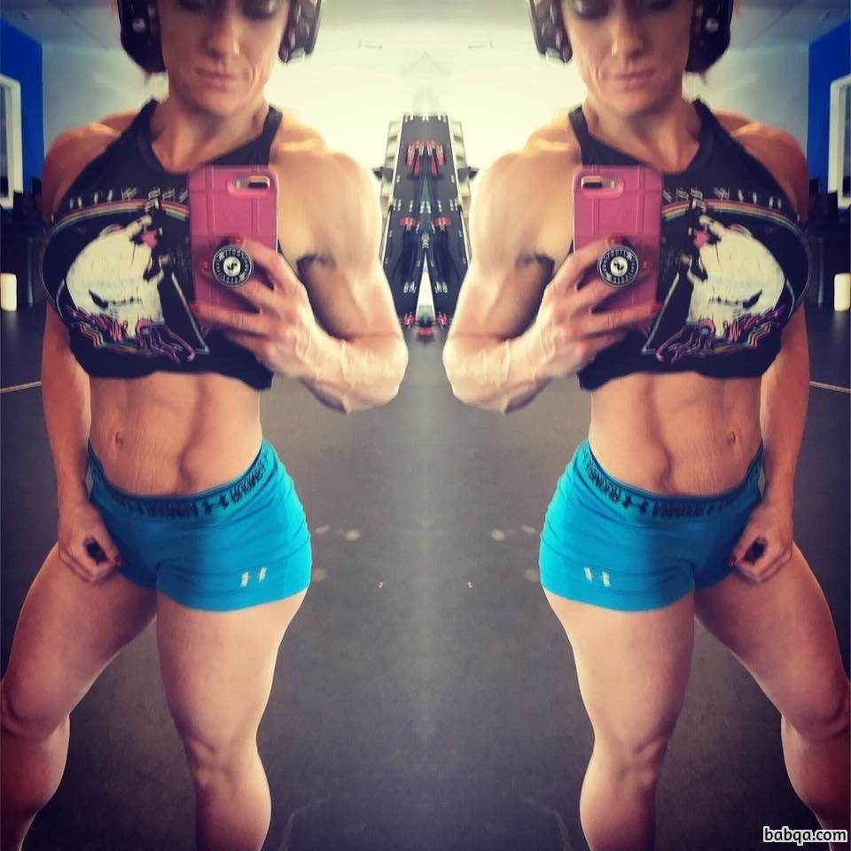 awesome female bodybuilder with fitness body and toned legs picture from g+