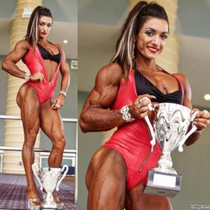 spicy lady with strong body and toned legs post from reddit