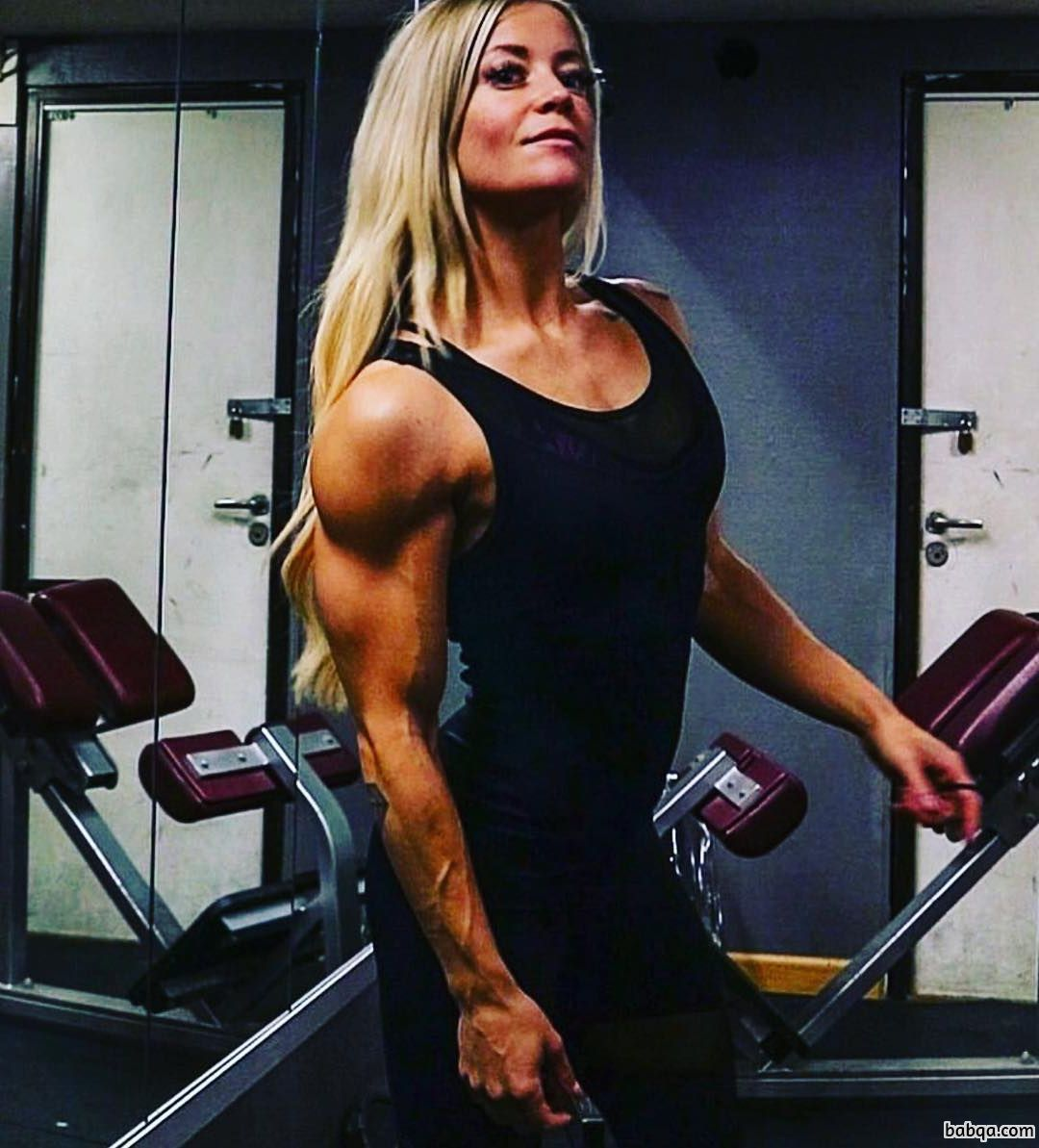 awesome female bodybuilder with strong body and muscle bottom photo from reddit