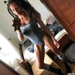 awesome lady with muscle body and toned arms photo from insta