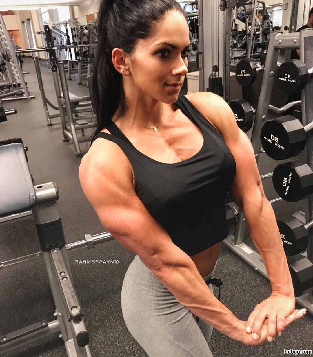 hot female bodybuilder with strong body and muscle booty picture from reddit