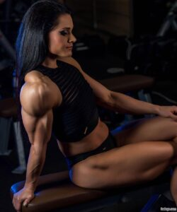 perfect woman with fitness body and muscle bottom post from g+